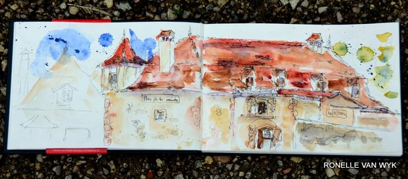 a red roof in Beaulieu