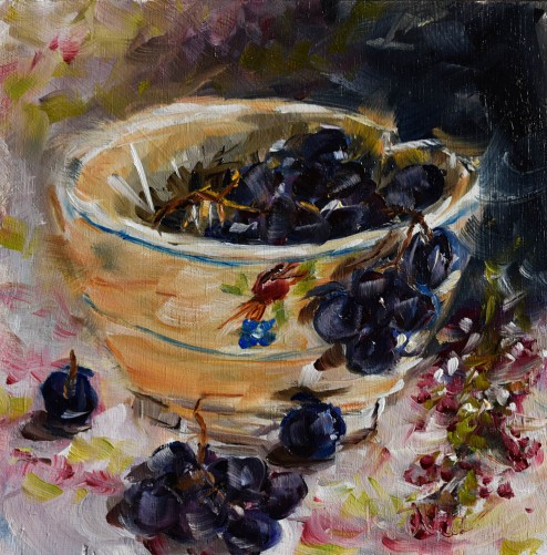 bowl with black grapes